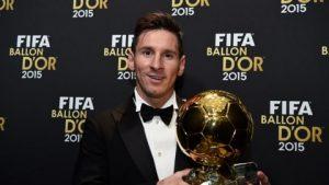 Lionel Messi recebeu seu quinto troféu.