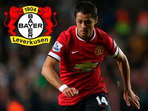 Chicharito atuando pelo seu atual clube, o Bayer Leverkusen.