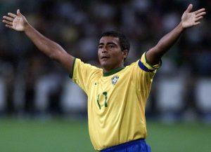 Romário é o maior artilheiro da competição.