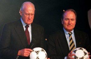 Transição entre João Havelange e Joseph Sepp Blatter em 1998.