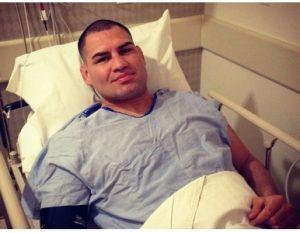 Velasquez já esteve fora de luta anteriormente contra o próprio Werdum para passar por cirurgia no joelho