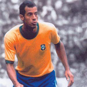 O lateral direito Carlos Alberto