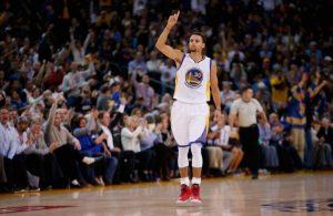 Curry vem fazendo mais uma temporada brilhante.