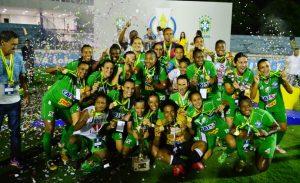 Rio Preto-SP comemora o título de campeão brasileiro de 2015.