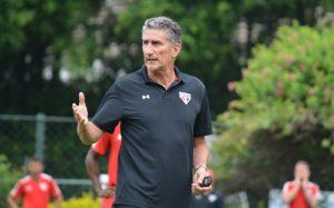 Bauza quer levar o São Paulo ao primeiro título.