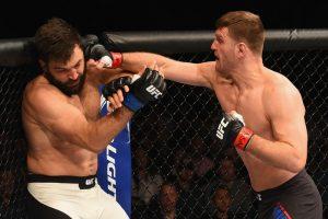 Miocic nocauteia Arlovski em sua última luta no UFC