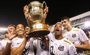 Santos busca revalidar o título de 2015.