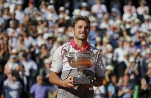 Wawrinka comemora Roland Garros após bater Djokovic