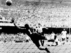 1º gol do Uruguai, final da Copa do Mundo de 1950.