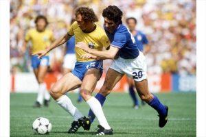 Falcão e Rossi no famoso duelo de 1982