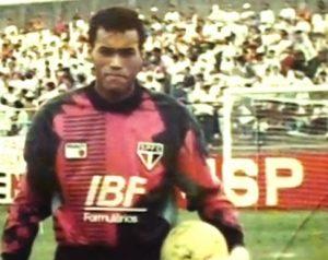 Goleiro Alexandre, morto em acidente de carro em 1992.