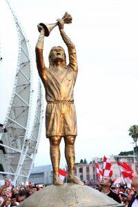Estátua do Fernandão no Beira-Rio.