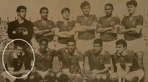 Time do Ferroviária, Paulista de 1961, o lateral direito Peixinho fez 28 gols na edição, ficou somente atrás de Pelé. Fez também o primeiro gol do Morumbi, jogando pelo São Paulo.