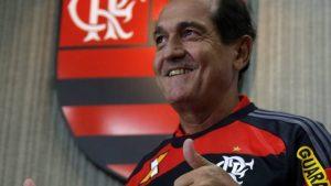 Muricy apresentado como novo técnico do Flamengo.