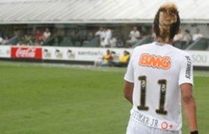 Neymar com o símbolo do tipo sanguíneo O+