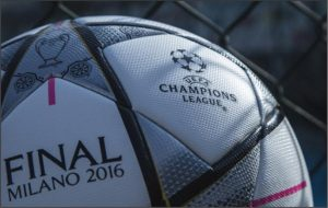 """Detalhe da superfície da bola oficial """"Adidas Finale Milano 2016""""."""
