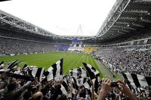 Torcida da Juventus, está na 6ª colocação.