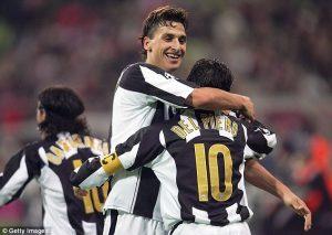 Ibrahimovic e Del Piero comemorando mais um gol