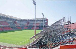 Estádio Arena da Baixada com arquibancadas tubulares montadas para a final da Libertadores de 2005.