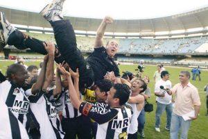 Levir Culpi campeão brasileiro de 2006 pelo Atlético Mineiro.