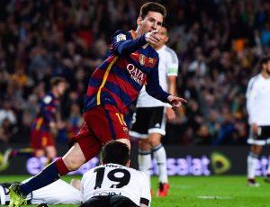 Messi comemorando seu 500º gol.