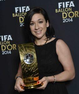 Nadine Kessler foi eleita a melhor jogadora do mundo de 2014.
