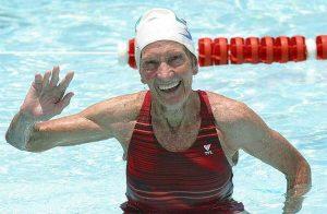 Maria Lenk é a nadadora que deu o nome ao Troféu Maria Lenk.