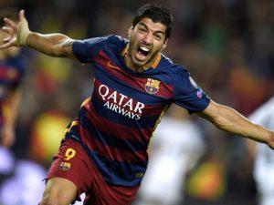 Suárez comemorando gol pelo Barcelona.