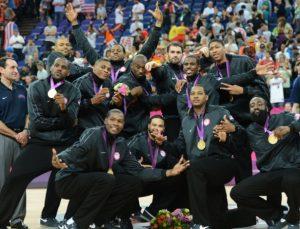 Seleção norte-americana de basquete campeã olímpica em 2012.