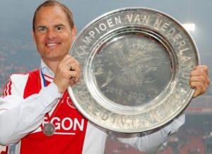 Frank de Boer é tetracampeão da Eredivisie (Campeonato Holandês).