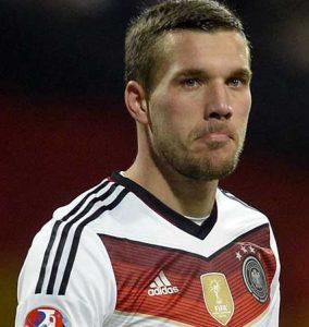 Lukas Podolski não defenderá mais a seleção da Alemanha.