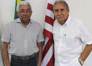 Apresentação de Givanildo no Náutico com o presidente Ivan Brondi.