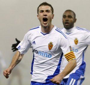Gabi atuando como capitão do Zaragoza.