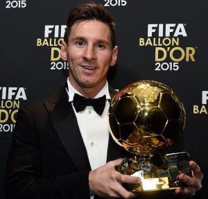 Lionel Messi atual vencedor do Ballon D'Or, prêmio dado pelo FIFA e pela France Football.