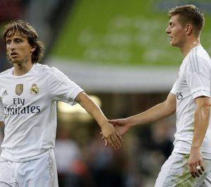 Lukas Modric e Toni Kroos jogando pelo Real Madrid.
