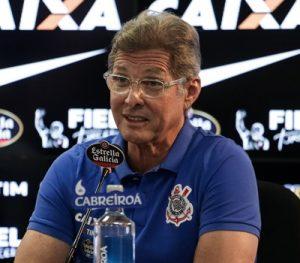 Oswaldo de Oliveira na sua apresentação no Corinthians.