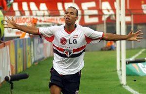 Luis Fabiano em sua primeira passagem pelo São Paulo.