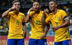 Philippe Coutinho, Neymar e Gabriel Jesus, destaques ofensivos do Brasil.