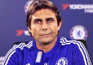Técnico Antonio Conte no comando do Chelsea FC.