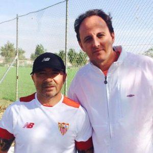 Jorge Sampaoli ao lado de Rogério Ceni durante seu estágio no Sevilla.