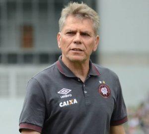 Paulo Autuori, técnico do Atlético Paranaense.