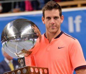 Del Potro com a taça de campeão do ATP 500 de Estocolmo.