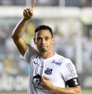 Ricardo Oliveira atuando pelo Santos.