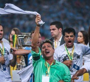 Renato Gaúcho comemorando título da Copa do Brasil de 2016.