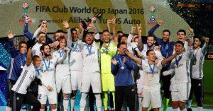 Time do Real Madrid comemorando o título de campeão mundial de 2016.