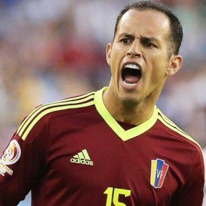 Alejandro Guerra jogando pela seleção venezuelana.