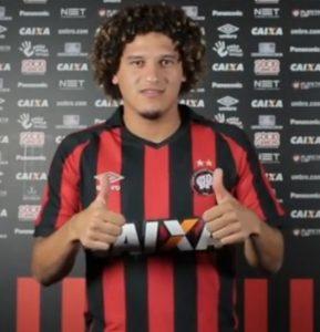 Felipe Gedoz em sua apresentação no Atlético Paranaense.