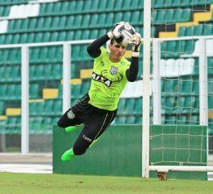 Gatito Fernández atuando pelo Figueirense.