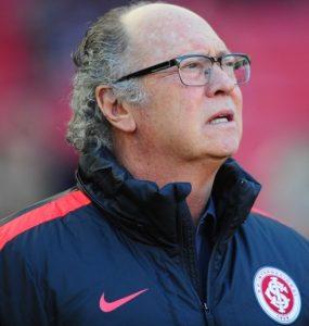 Falcão como treinador do Internacional em 2016.