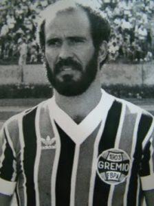 Mário Sérgio campeão mundial pelo Grêmio em 1983.